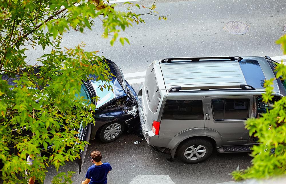 ประกันจ่ายไหม? ถ้าเราขับรถชน ในขณะที่ใบขับขี่หมดอายุ ❘ Smile Insure